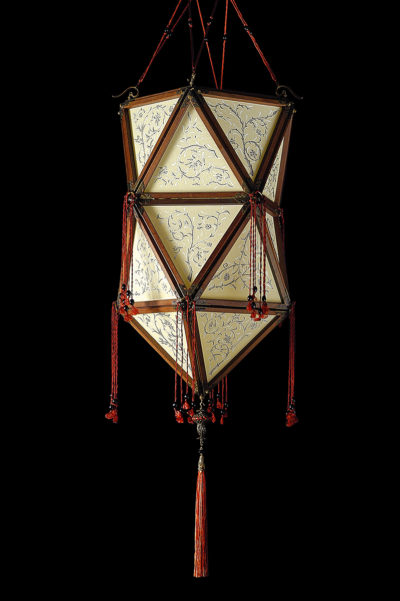 Fortuny Concubine Favorita silk lamp with wooden structure