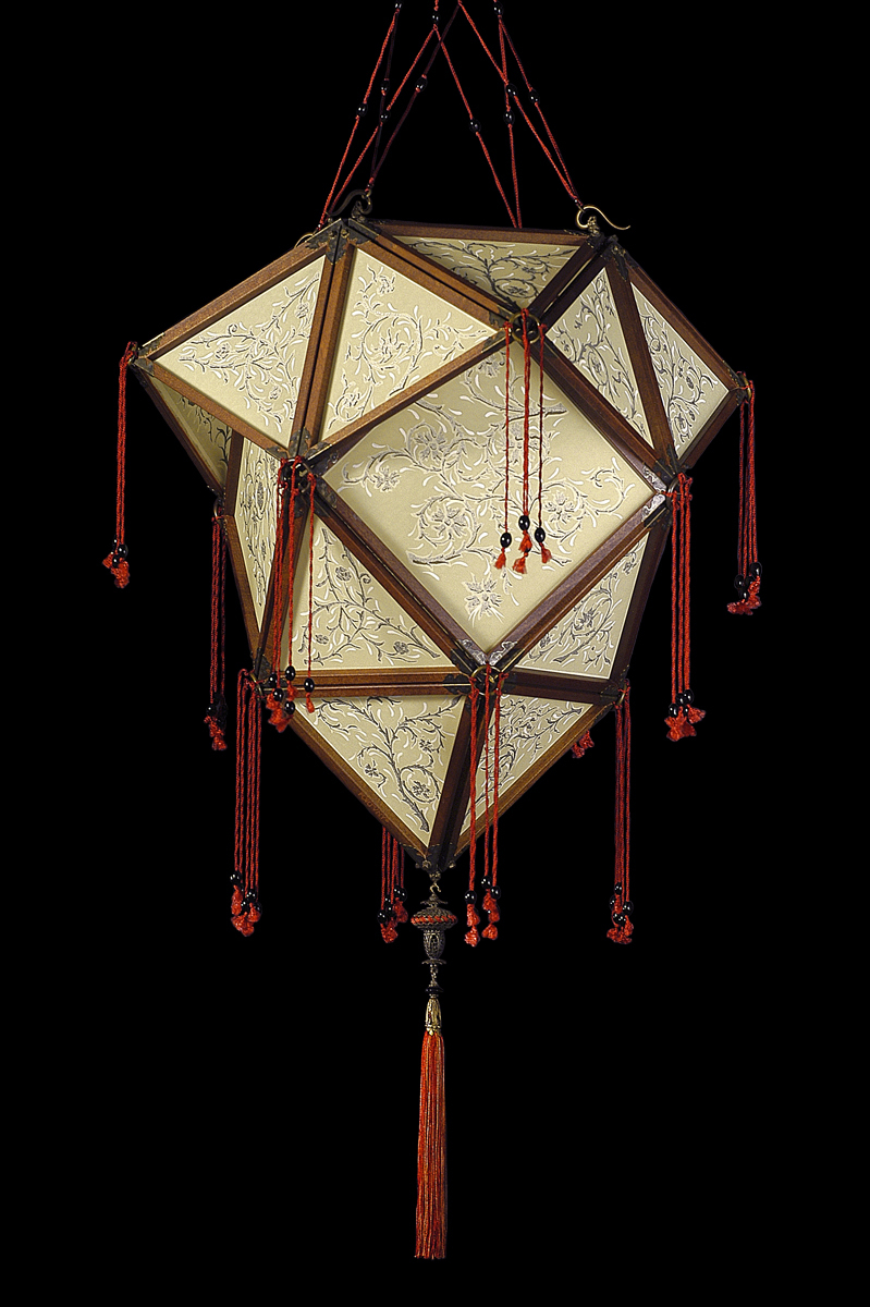 Fortuny Concubine Proibita silk lamp with wooden structure