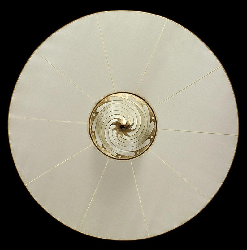 Fortuny Samarkanda plain silk lamp with disc bottom view