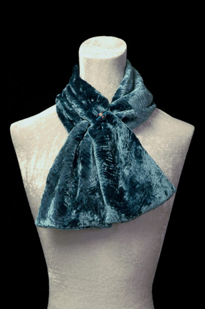 Furrowed velvet scarves with Murano glass beads