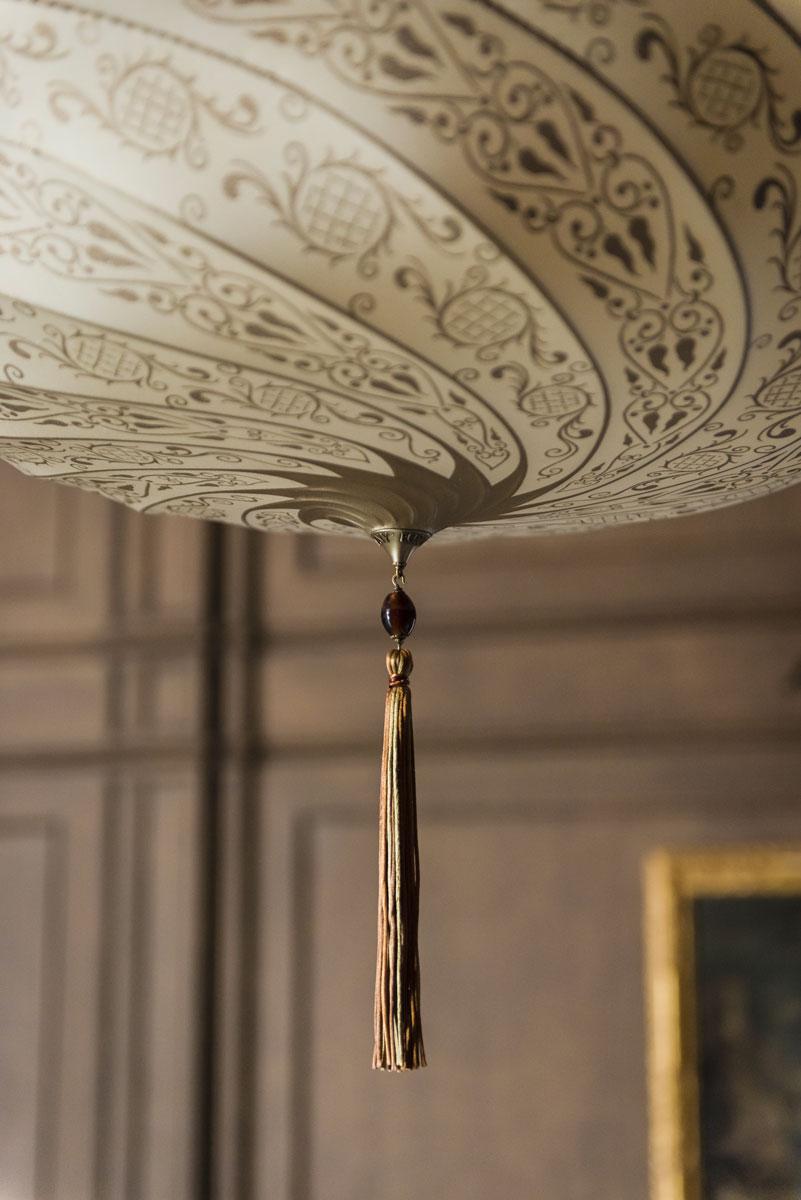 Fortuny Scudo Saraceno silk ivory classic lamp detail
