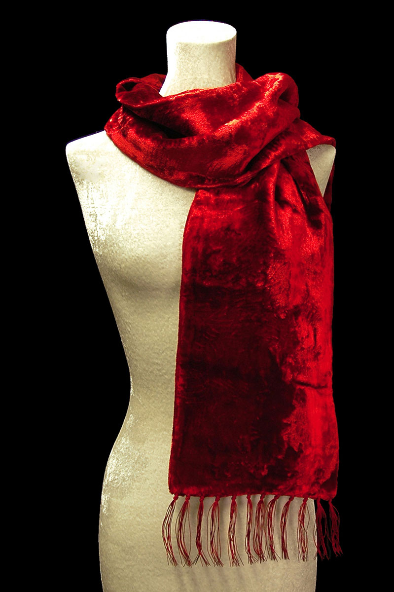 Fortuny red furrowed velvet scarf with fringes