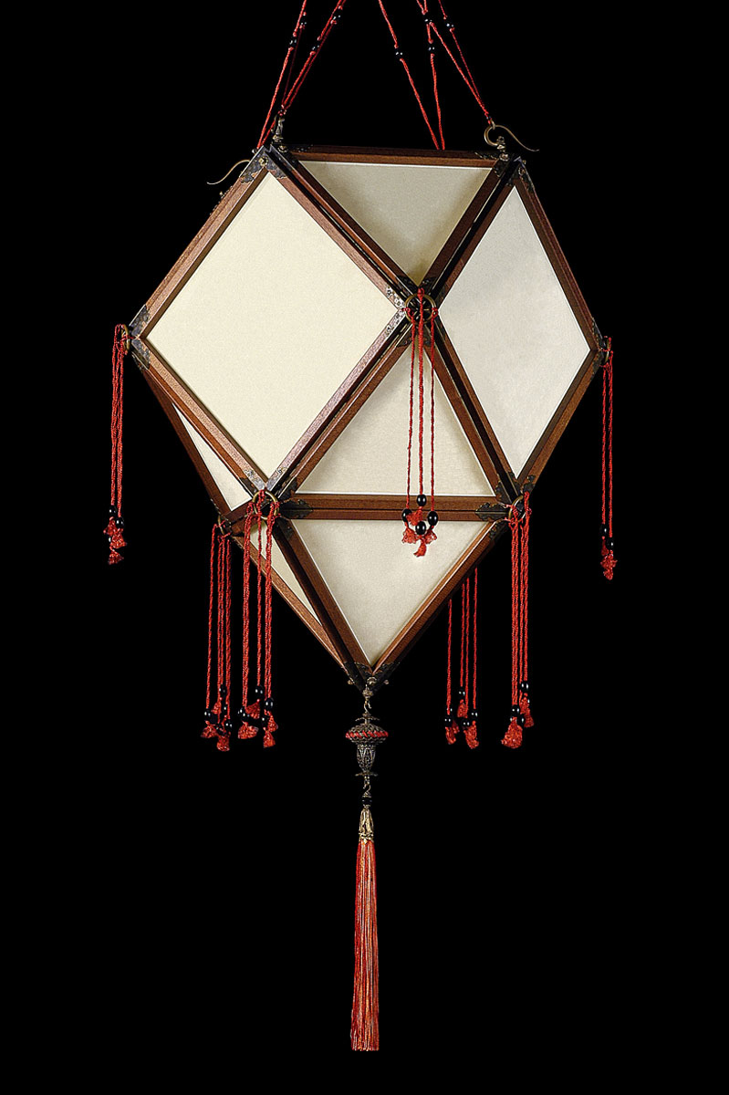Fortuny Concubine Imperiale plain silk lamp with wooden structure