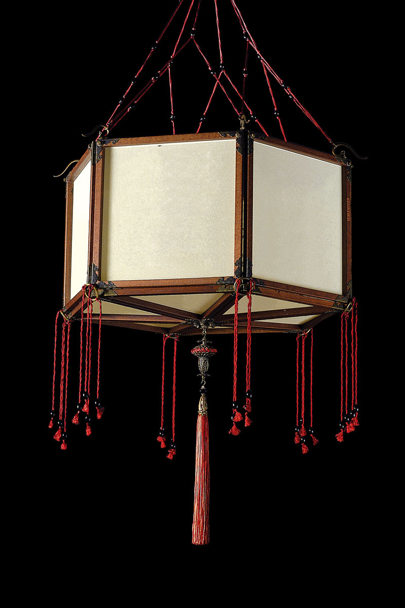 Fortuny Concubine Loto plain silk lamp with wooden structure