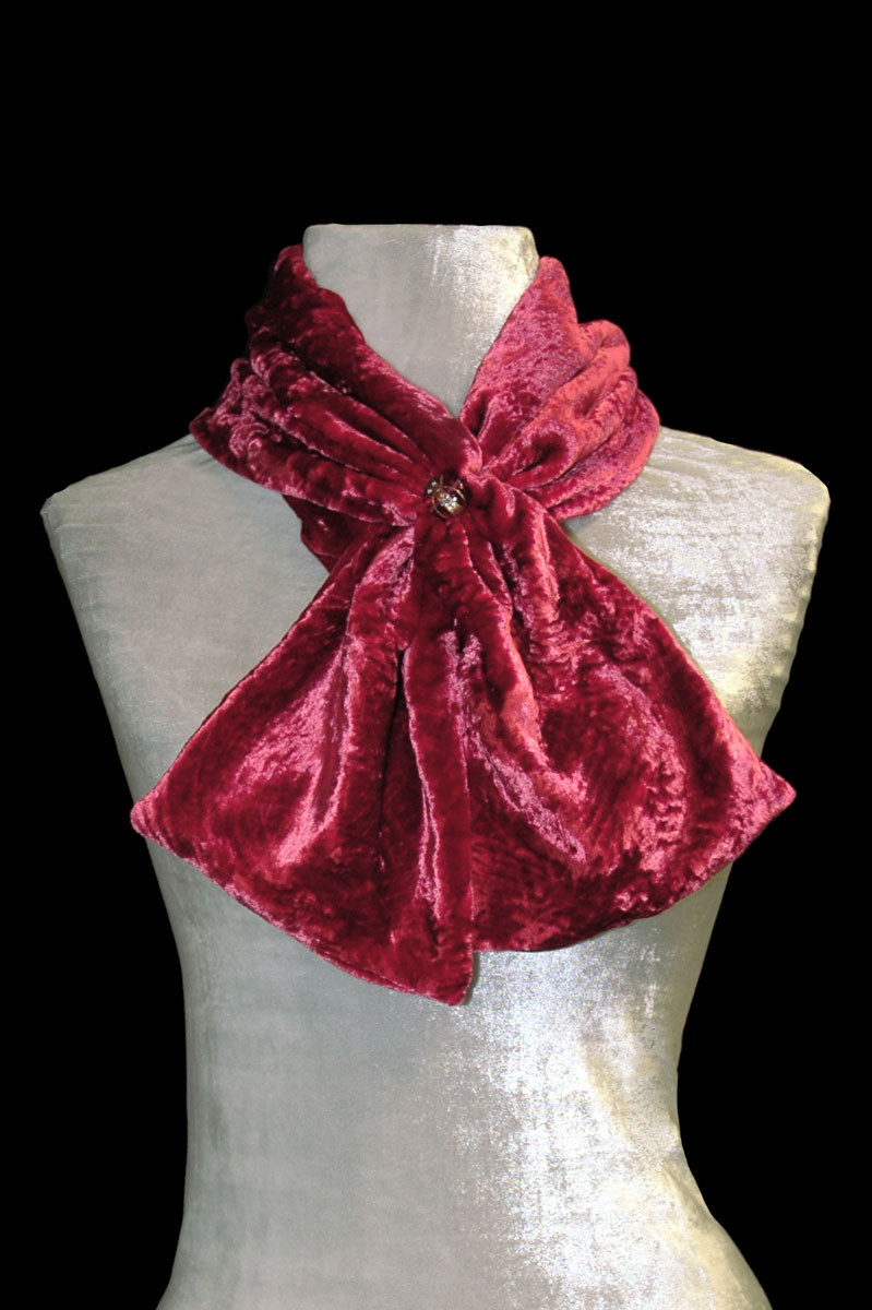 Fortuny carmine red furrowed velvet scarf with Murano glass beads