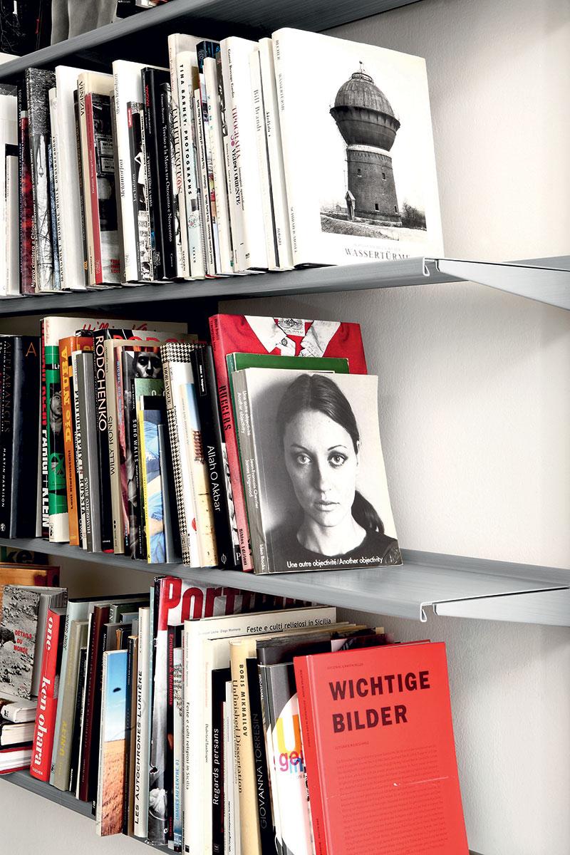 Pallucco Continua modular bookcase detail