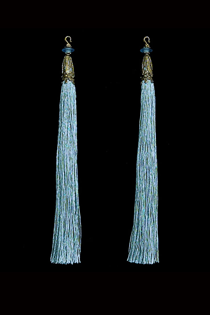 Venetia Studium couple of smoke blue hook tassels