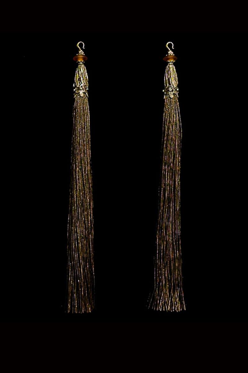 Venetia Studium couple of sepia hook tassels