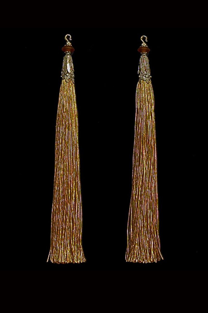 Venetia Studium couple of brown gold hook tassels