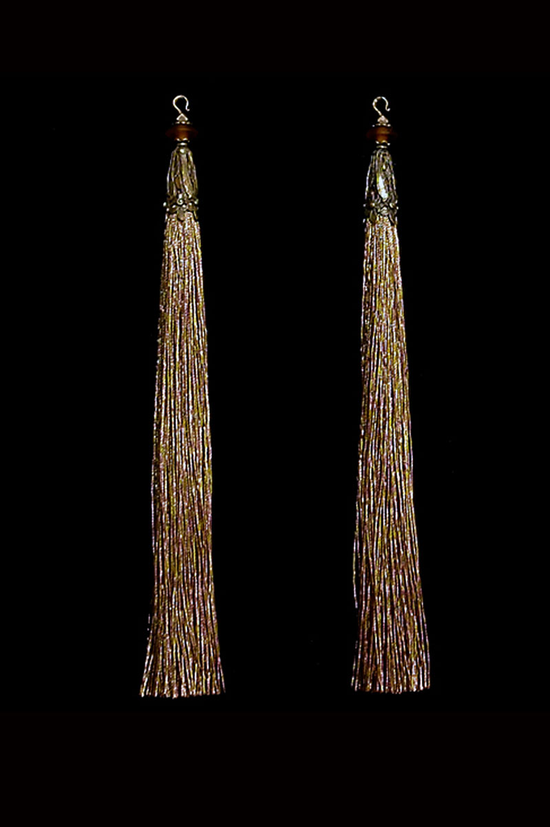 Venetia Studium couple of burnt sienna hook tassels