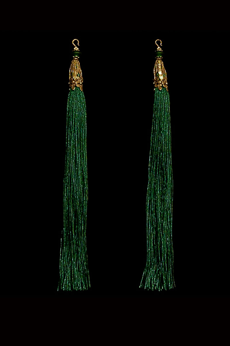 Venetia Studium couple of holly green hook tassels