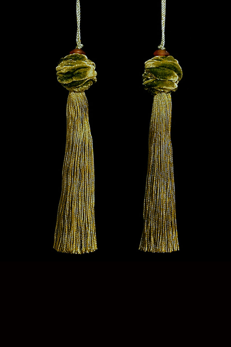 Venetia Studium Turbante couple of bright gold green key tassels