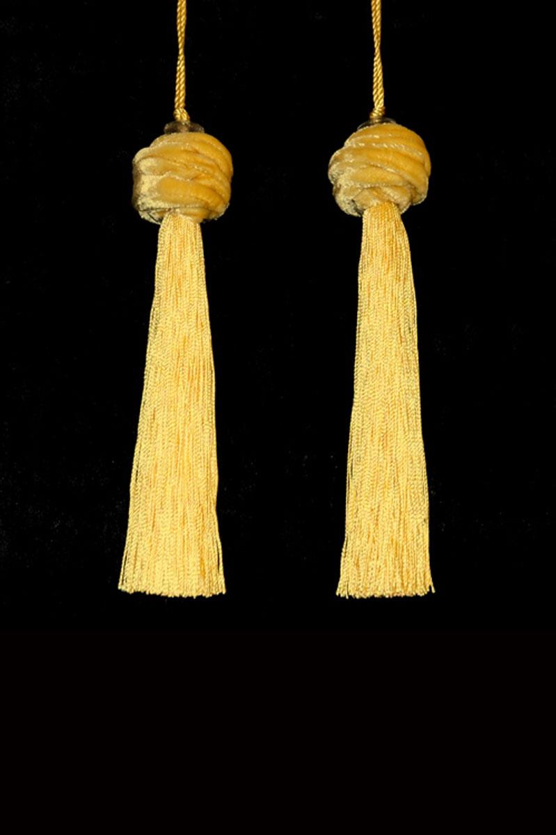 Venetia Studium Turbante couple of cream key tassels
