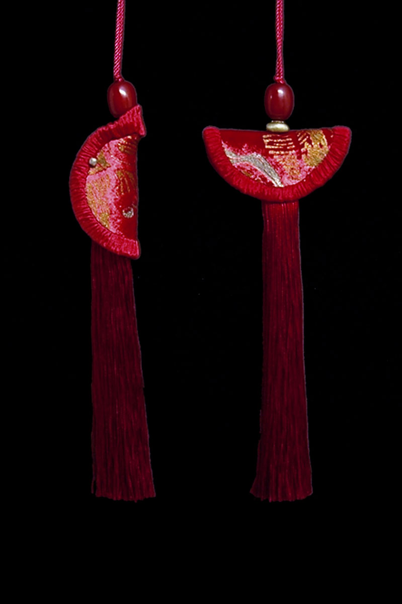 Venetia Studium couple of blood red Geisha & Samurai key tassels