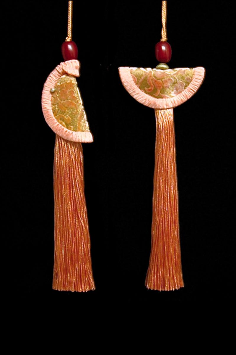 Venetia Studium couple of salmon pink Geisha & Samurai key tassels