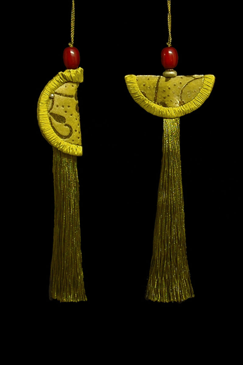 Venetia Studium couple of bright gold green Geisha & Samurai key tassels