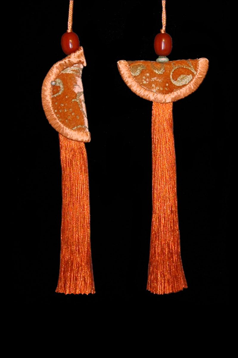 Venetia Studium couple of orange Geisha & Samurai key tassels