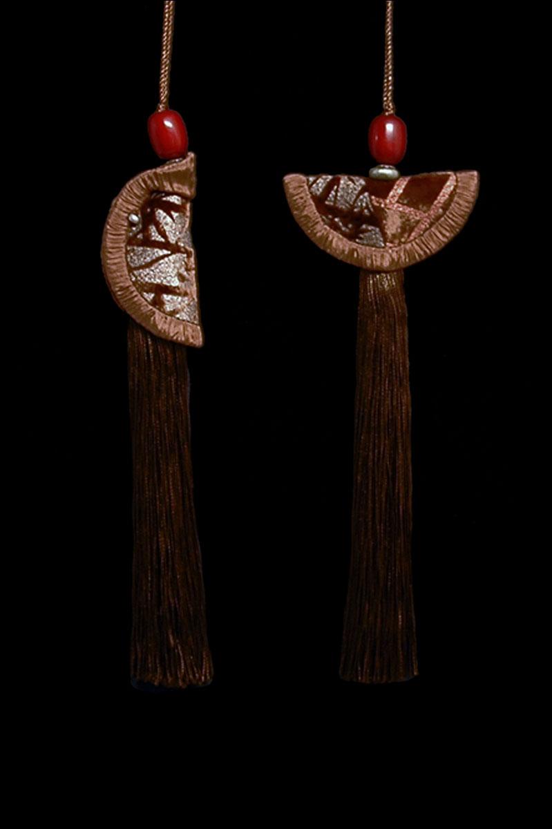 Venetia Studium couple of chocolate brown Geisha & Samurai key tassels