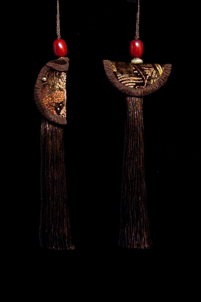 Venetia Studium couple of sepia Geisha & Samurai key tassels