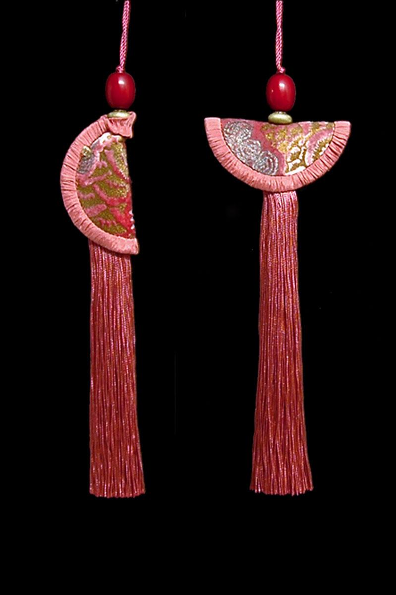 Venetia Studium couple of maroon Geisha & Samurai key tassels
