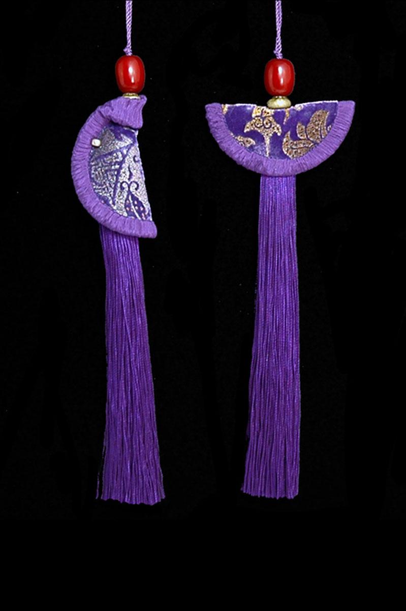 Venetia Studium couple of pansy blue Geisha & Samurai key tassels