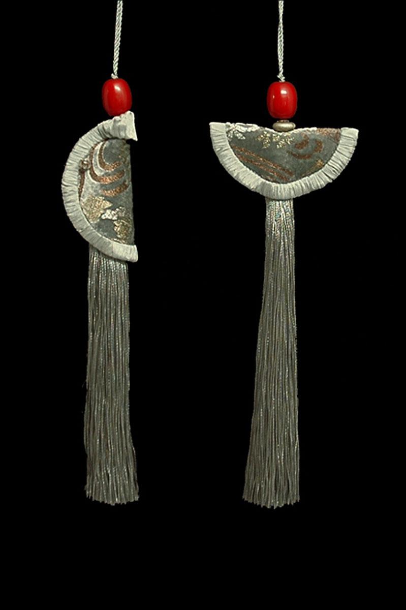 Venetia Studium couple of Silver grey Geisha & Samurai key tassels