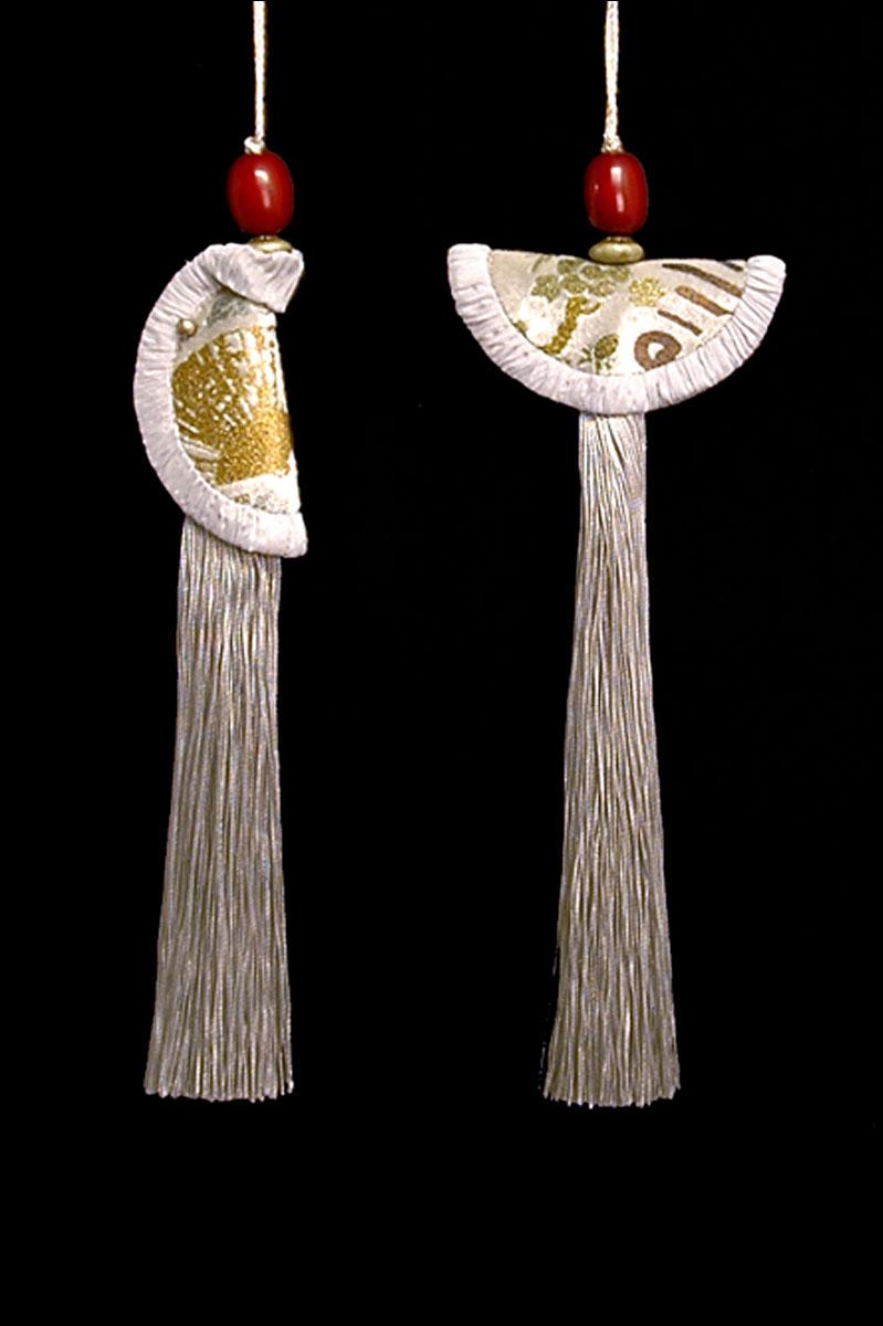 Venetia Studium couple of pearl grey Geisha & Samurai key tassels