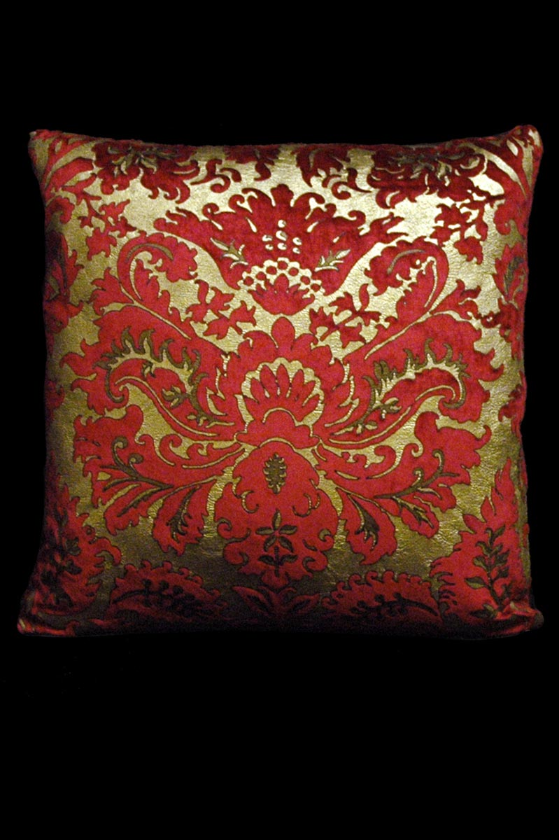 Venetia Studium Barbarigo square red velvet cushion front