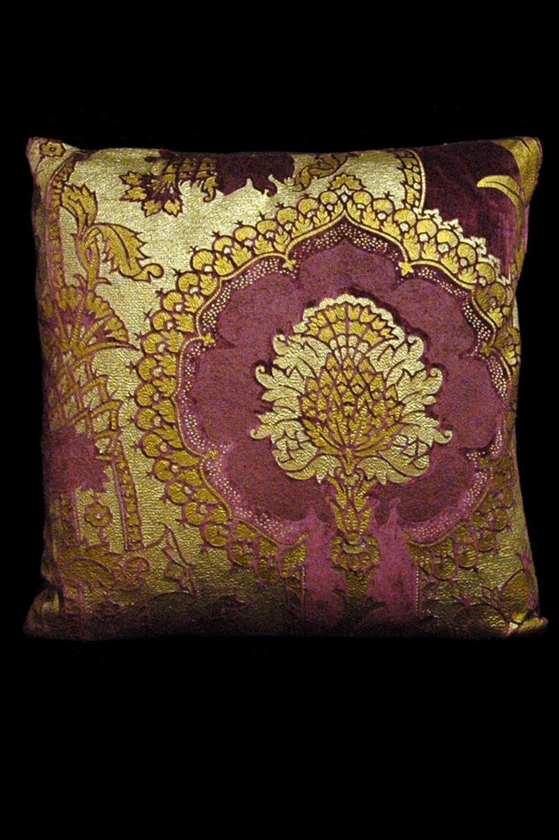 Venetia Studium San Gregorio aubergine printed velvet square cushion