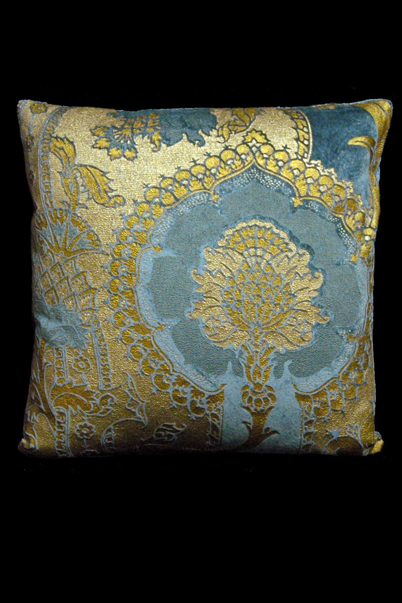 Venetia Studium San Gregorio teal printed velvet square cushion