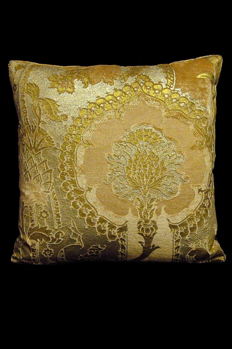 Venetia Studium San Gregorio caramel printed velvet square cushion