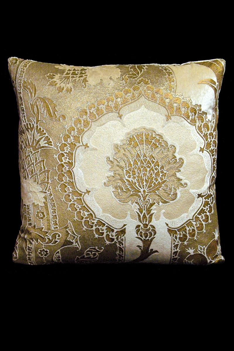 Venetia Studium San Gregorio beige printed velvet square cushion