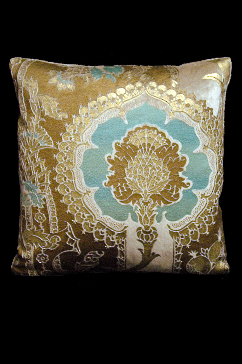 Venetia Studium San Gregorio beige-light blue printed velvet square cushion