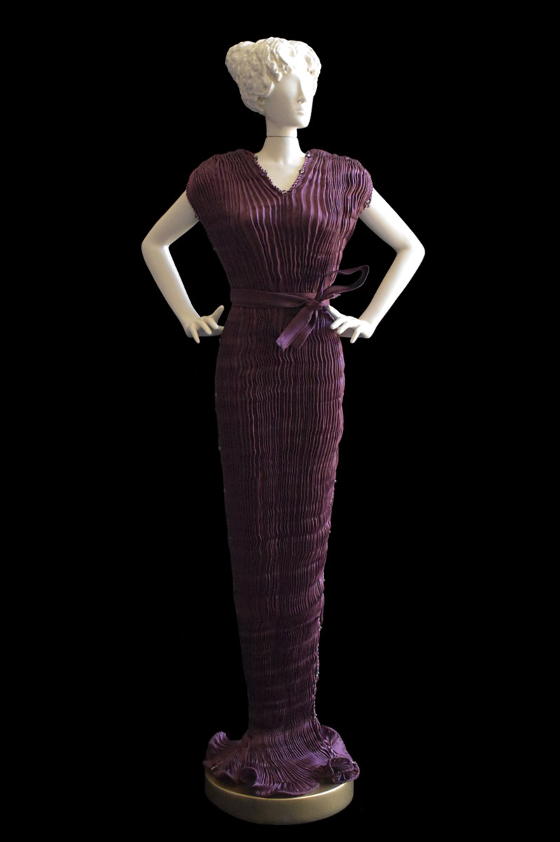 Diva Peggy dark plum collectible fashion doll miniature mannequin - Roman