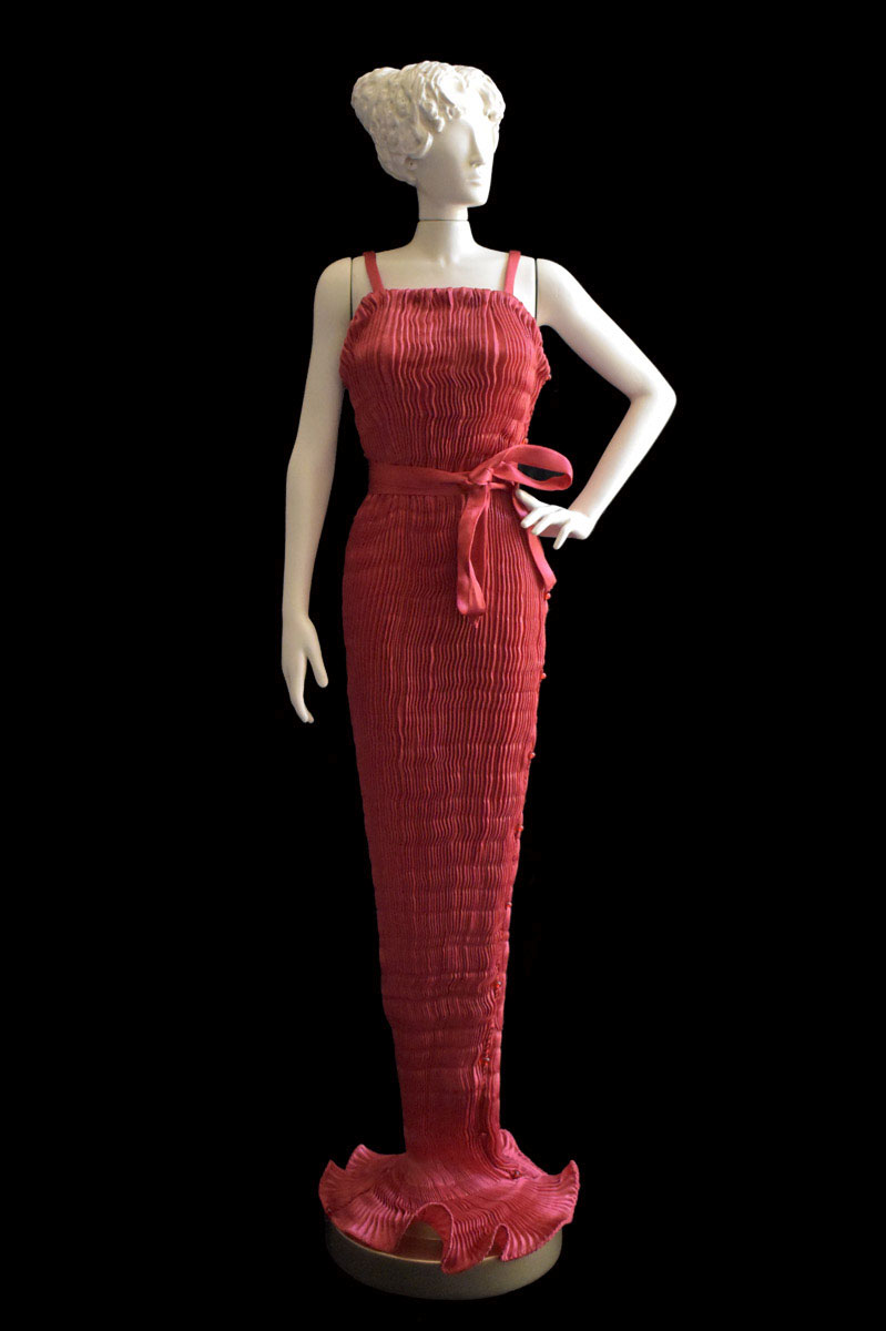 Diva Peggy red collectible fashion doll miniature mannequin - Roman