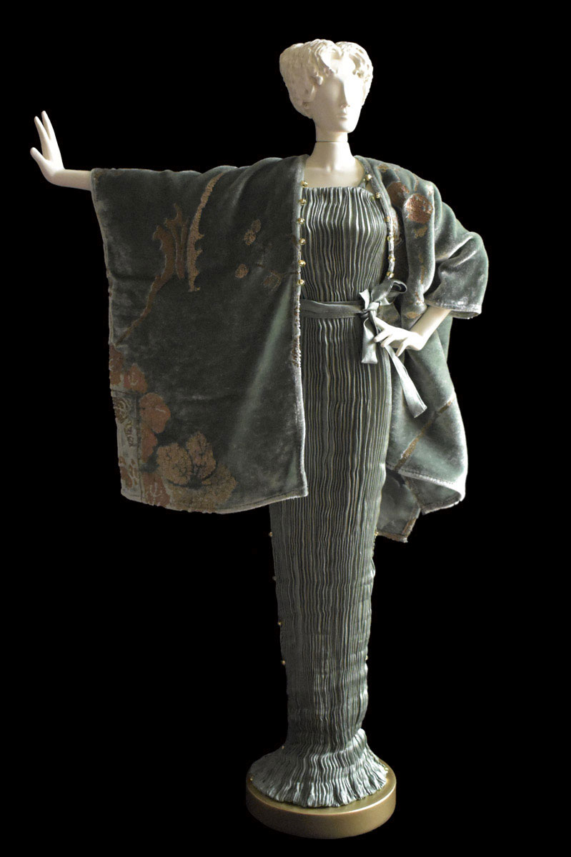 Diva Peggy sage green collectible fashion doll miniature mannequin with jade evening coat - Roman