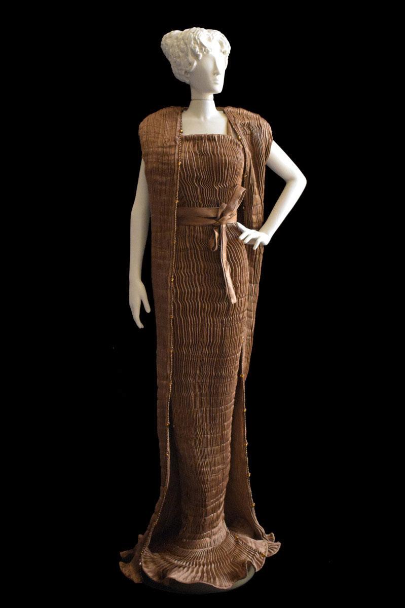 Diva Peggy tobacco brown collectible fashion doll miniature mannequin - Roman