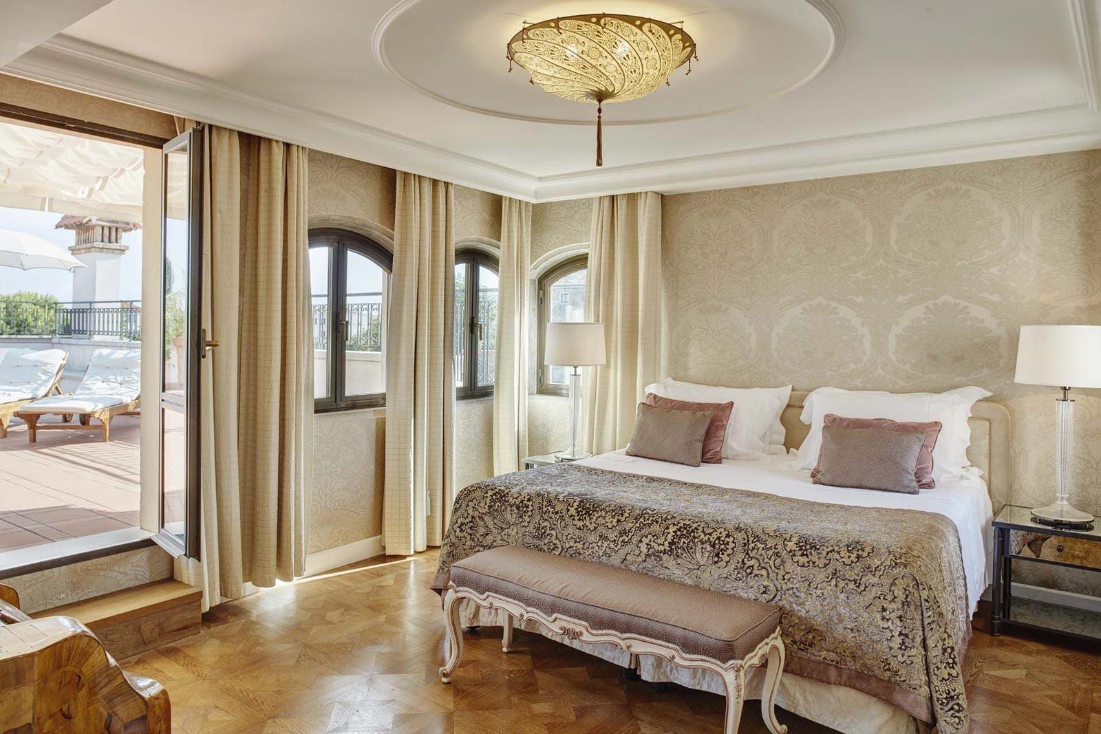 Belmond Hotel Cipriani Fortuny Scudo Saraceno silk lamp